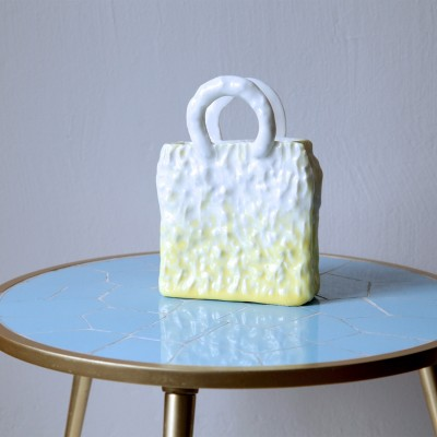 Olivia Berckemeyer, My Yellow Bag (aus der Serie Homebag)