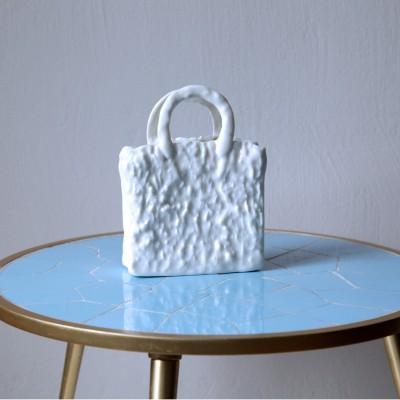 Olivia Berckemeyer, My White Bag (aus der Serie Homebag)